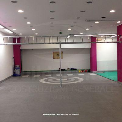 Pavimentazione in resina sportiva ad uso professionale completata. -
