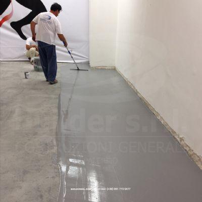 Stesura resina di finitura - per la realizzazione della pavimentazione sportiva.