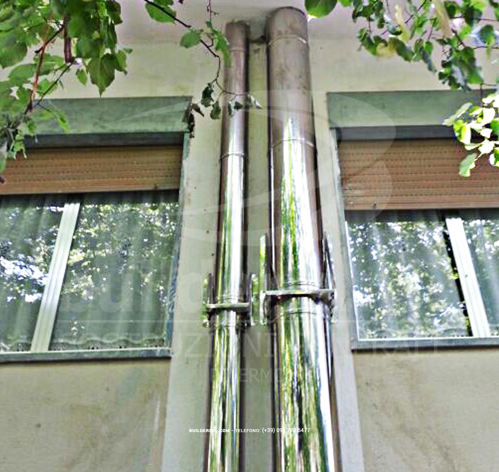 Posa della nuova canna fumaria. - Nuova canna fumaria in acciaio inox al Centro Kolbe di Carini.