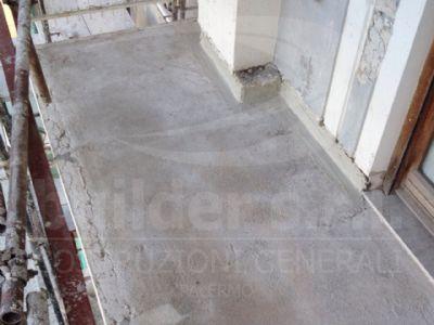 Ristrutturazione pavimento  e balconi - Balconi del retrospetto condominiale