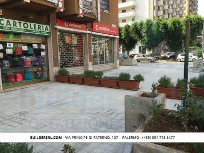 Rifacimento impermeabilizzazione pavimentazione stradale - in via Croce Rossa, angolo via Emilia a Palermo.